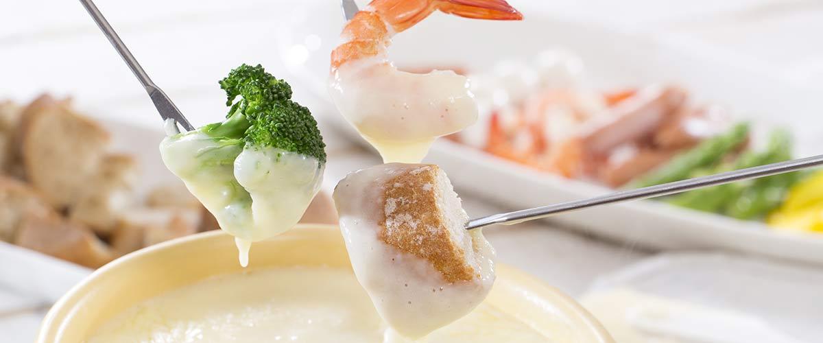 krewetka owoce morza w sosie serowym fondue krewetkowe shrimp and seafood fondue