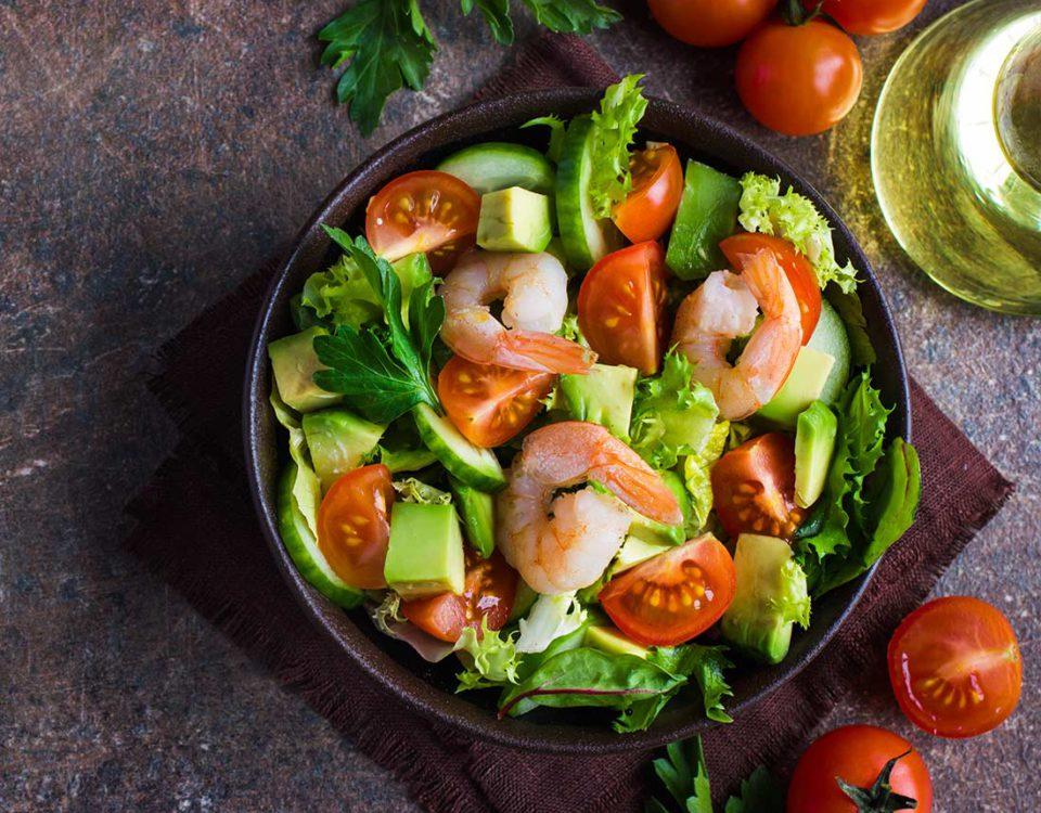 przepis sałatka krewetki z awokado shrimp with avocado salad